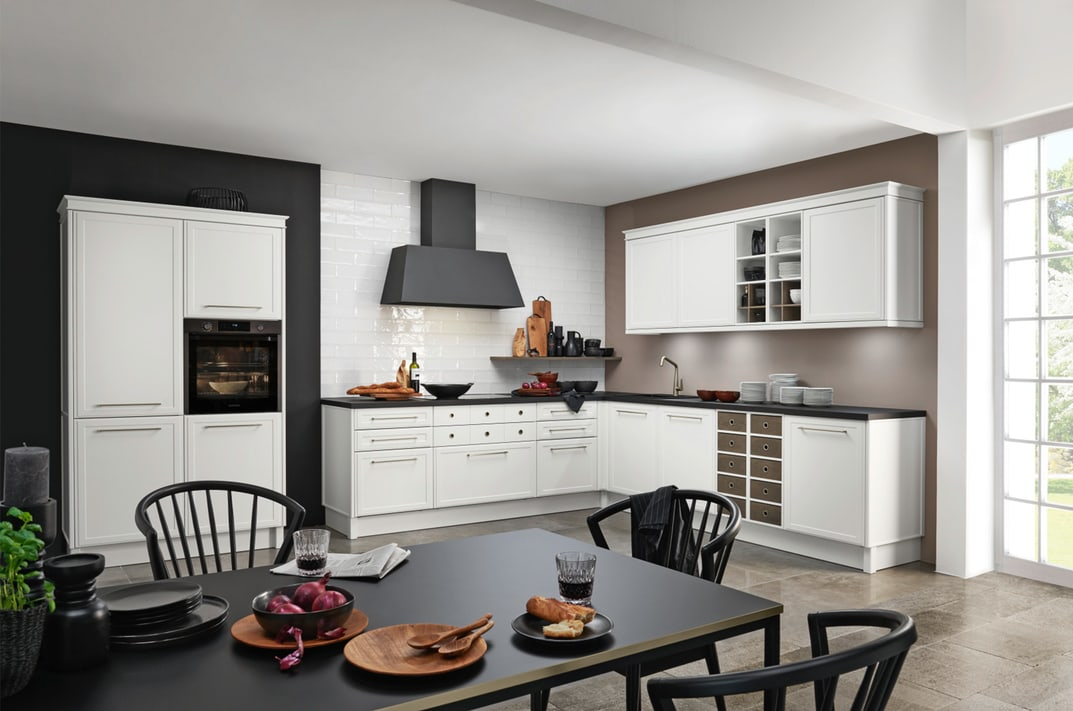 Small Luxury Kitchens in Hamilton by Silver Birch Interiors